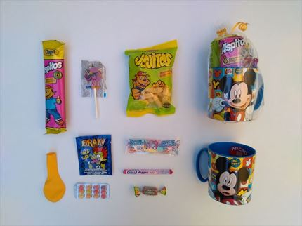 TAZA CON CHUCHES MICKEY MOUSE